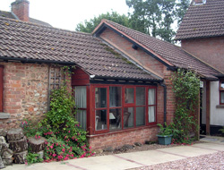 Self-catering cottage in Devon - accommodation for up to five people